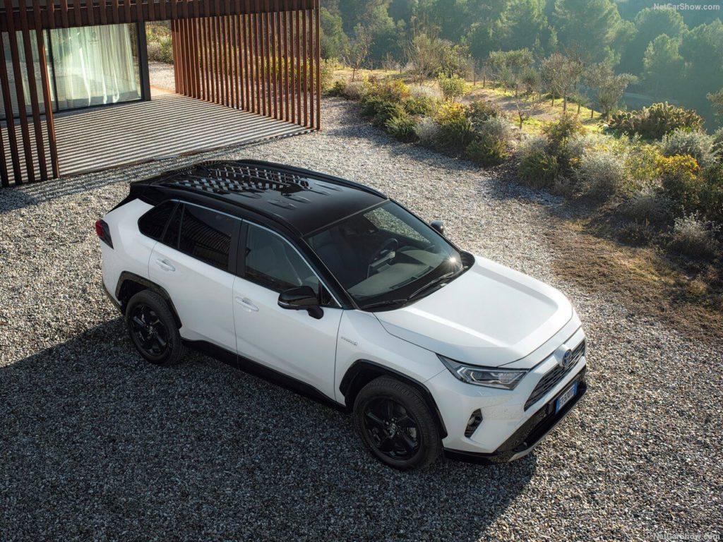 Toyota-RAV4_Hybrid_EU-Version-2019-1280-02